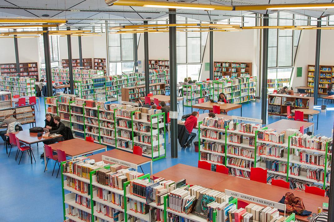 Bibliothèque universitaire Lettres et Sciences Humaines